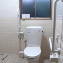 *研修棟にはバリアフリートイレを完備
