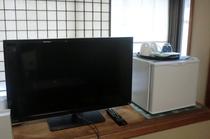 薄型テレビ、ビデオ、冷蔵庫