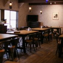 【茜家食堂】お食事はこちらでお召し上がりいただきます。