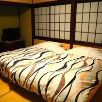 【和室8畳 小上がり風ツインベッド】2人の距離がぐっと縮まる!?カップルさん歓迎です(^^)