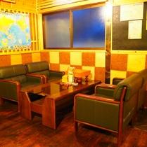【館内施設】ラウンジ。将棋やジェシカ、UNOなどがあります。