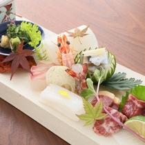 【夕食】 あえて熊本県産だけにこだわらず、九州内の質の高い食材を目利きして使用しております/例