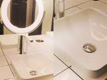 シャワールーム併設洗面台