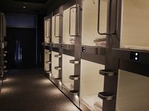 男性 カプセルルーム(36床)