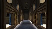 男性フロア廊下