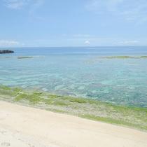 *ホテル裏のビーチ 朝のお散歩にもオススメです。
