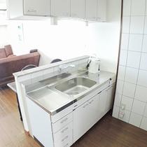*コンドミニアムのお部屋にはシステムキッチンを完備しております。