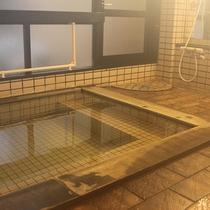 *【大浴場】100%源泉かけ流しの温泉をご堪能ください。