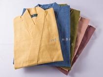 日本製の作務衣です、浴衣と違い驚くほど快適な着心地です、ご利用下さいませ
