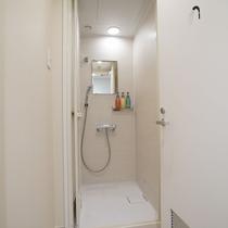 女性用シャワールーム2