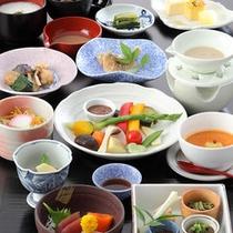 """15種類の季節野菜を""""バーニャカウダソース""""で"""