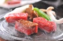 信州プレミアム牛肉は、厳密な生産履歴の管理と、長野県独自のおいしさ基準を設けて認定された牛肉です。