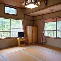 *【お部屋】オーシャンビューですが自宅のようなほっこり感のある和室