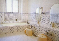 貸切家族風呂ーローラアシュレのタイル