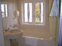 room-bath.JPG