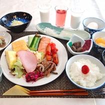 *【朝食】和定食+ハーフバイキング