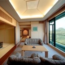 特別室花物語『都ばき』くつろぎのソファを配したリビングスペース。