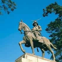 【観光スポット】伊達政宗騎馬像 写真提供:宮城県観光課