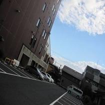 【無料】駐車場約40台分完備!