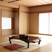 *和室/畳のお部屋でごろりとお寛ぎ頂けます。