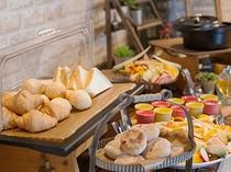 朝食ベローナ パン4種