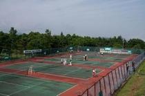 高原のテニスコート