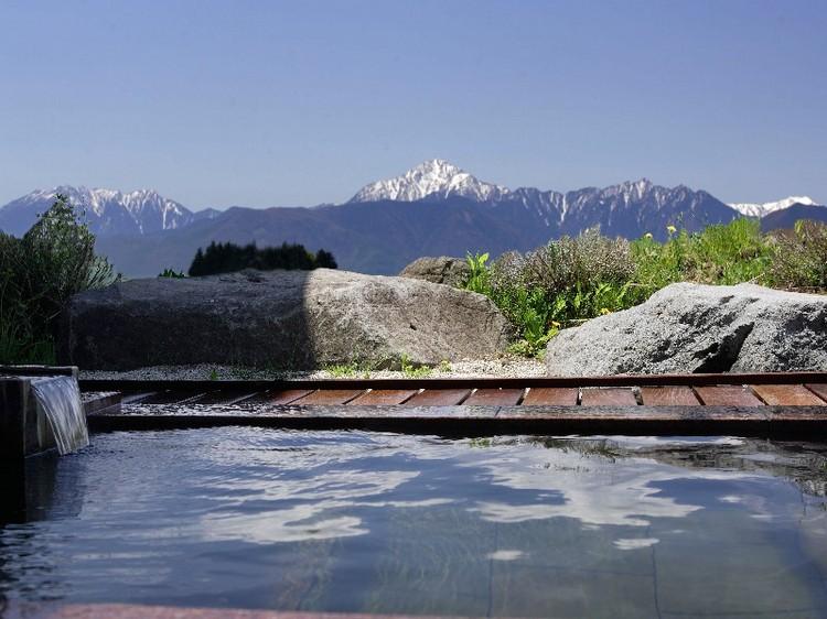 約3500坪の高原のリゾートホテル