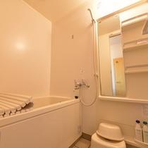 *和室10畳(客室一例)/ゆったり広々としたバスルーム。