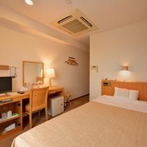 *洋室シングル(客室一例)/ビジネスや一人旅に◎ふかふかのベッドで安眠の夜をお過ごし下さい。