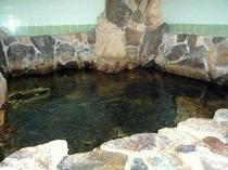 大浴場は自慢の薬石風呂です♪