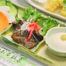 夕食_鹿肉のみそ焼き、ごま豆腐、お新香