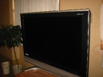 お部屋の液晶32型TV