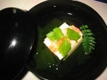 湯葉豆腐の吸い物