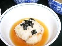料理一例 鰻と豆腐のとろろ蒸し