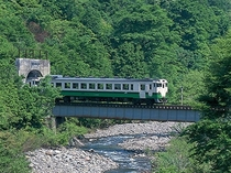 絶景ローカル只見線 浅草岳山麓 田子倉湖