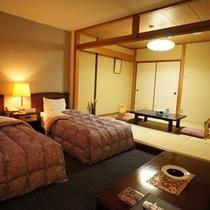 【和洋室一例】洋室ツインと和室6畳のお部屋になります
