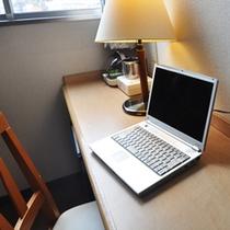全室無線LANでインターネット接続無料