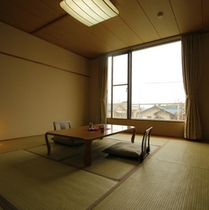 富士山側の『和室』 (10畳/バス・トイレ付)
