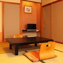 【和室10畳シャワーブース付】お部屋から河口湖&富士山が望めます♪