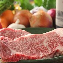 お手軽価格でお肉料理をグレードアップ♪「国産牛ステーキプラン」