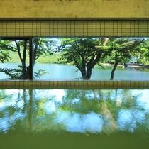 【レークサイド温泉】榛名湖温泉を贅沢に「かけ流し」にしております。