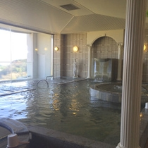 【女性用大浴場】展望風呂からの景色を眺めながら天然温泉に浸かって