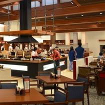 バイキングレストラン「あがらんしょ」 囲炉裏コーナーには郷土料理や美味しいものがいっぱい!