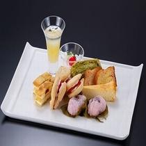 夕食バイキング料理の一例