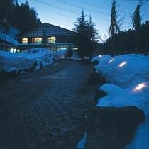 冬の夜…キャンドルの明かりと貝掛温泉