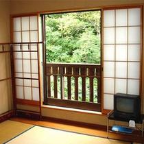 和室一例。落ち着いた畳のお部屋でゆったりのんびり寛ごう♪