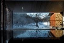 展望露天風呂「四季の湯」から望む冬の磐梯山