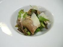 【自家製生ハムのサラダ仕立て】