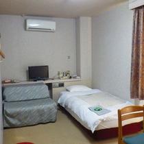 *【シングルルーム】シンプルな洋室のお部屋です。