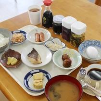 朝食の一例(和食バイキング形式)おかわり自由♪